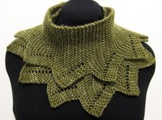 This cowl has been designed by Annie who writes a blog called Jumper Cables Knitting.