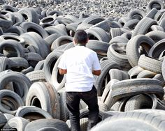 Enormous Tire Graveyard in Kuwait 8