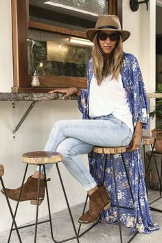 Spell and the gypsy sundancer maxi kimono Brand new with tags. Not free people just listed for exposure Free People Other Look Kimono, Blue Kimono, Kimono Jacket, Long Kimono Outfit, Blue Maxi, Kimono Fashion, Cute Fashion, Look Fashion, Bohemian Mode