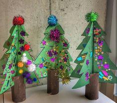 3D Christmas Tree Craft (from etkinliklerdunyasi via Instagram: https://www.instagram.com/p/BdF1N8ohmKt/?taken-by=etkinliklerdunyasi)