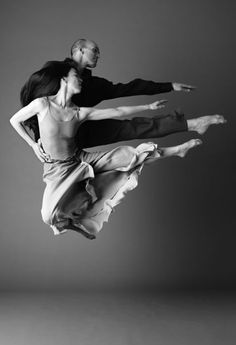 """Parallel Jump"" ~ Stephen Pier and Miki Orihara ~ photo: Pier Group ☛ http://www.piergrp.org/gallery.html"