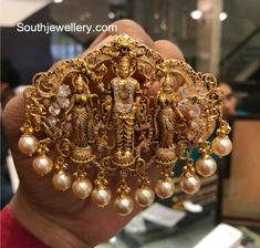 Jewelry OFF! 22 carat gold antique nakshi temple pendant adorned with moissanites emeralds and south sea pearls by Premraj Shantilal Jewellers. Jewelry Design Earrings, Gold Jewellery Design, Gold Jewelry, India Jewelry, Kids Jewelry, Temple Jewellery, Antique Jewellery, Necklace Designs, Silver Bracelets