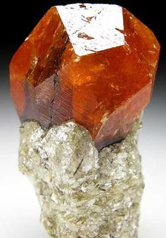 Spessartine from Nani, Loliondo, Arusha Region, Tanzania / Mineral Friends <3