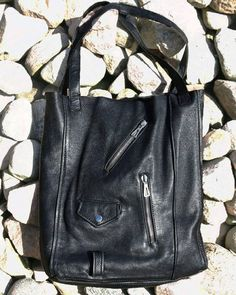 Ramones forever young #bag #blackoutfit #blackbag #rebel #recycle #recykling #diyfashion #blackfashion #allblack #ramones #ramoneska #ramoneschick #diy #handmade #slowfashion
