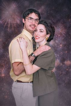 After some time in a thrift store, two nights of a fun photoshoot and some photoshop magic, our themed engagement photos were born Funny Couple Photos, Awkward Photos, Funny Couples, Weird Family Photos, Creepy Photos, Family Pics, Themed Engagement Photos, Engagement Humor, Awkward Family Photos Christmas