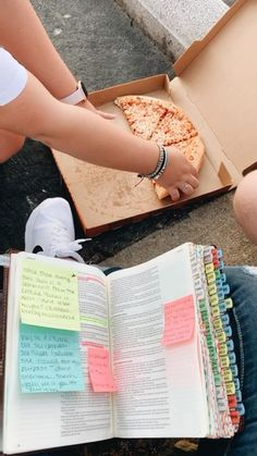 Bible Journaling & Pizza? Nothing Better