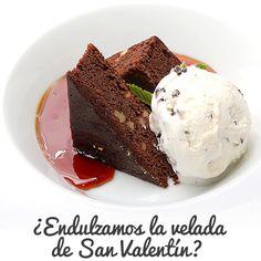Para #SanValentin hemos preparado una propuesta gastronómica estupenda con los menus #RegalaZaragoza (@ZaragozaTourism) para que disfrutes de la velada más romántica del año. Te apetece terminarla con este postre de brownie sobre crema de almendra y helado de cookies & cream #ExperienciasPalafox. Recuerda que aún puedes participar en nuestro concurso #enamoradosdetipalafox