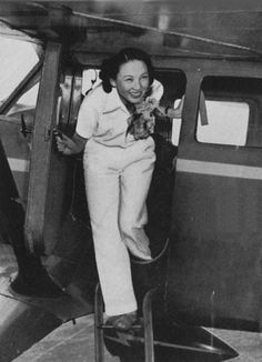 Li XiaQing 李霞卿,was a film star in Shanghai, and later she became the first Chinese woman to be granted a civil aviation license in China, in 1936. Patti Gully included her in book Sister of Heaven - China's Barnstorming Aviatrixes.