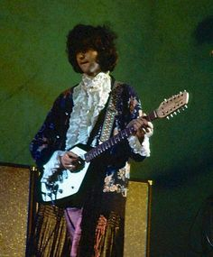 Pagey rocks the Ruffles, part II. If anyone could find a way to make use of the Vox 12-string with whammy bar, it's this guy.