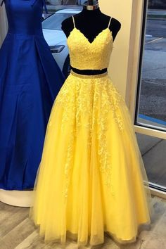 two piece yellow prom dress with spaghetti straps lace top and floor length bottom Source by dreamdressyoffical dresses ideas Prom Dresses Two Piece, Cute Prom Dresses, Prom Dresses For Teens, Sweet 16 Dresses, Black Prom Dresses, Grad Dresses, Two Piece Dress, The Dress, Evening Dresses