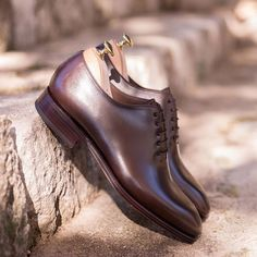 One of our best selles 910 wholecut oxfords in brown, discover at Carmina website (link in bio) Brown Oxfords, Goodyear Welt, Best Sellers, Oxford Shoes, Dress Shoes, Lace Up, Website Link, Classic, Men