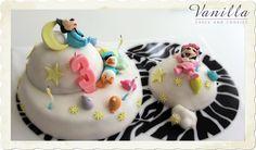 Sevimli Baby Disney pastası...www.vanillastudyo.com. Cute Baby Disney cake: fishing on the moon for a dream, fishing near and far...