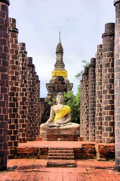 Grand Hall of Wat Maha That in the old Sukhothai Kingdom, Thailand