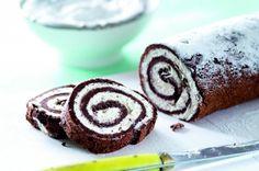 Žloutková roláda se šlehačkou a čokoládou
