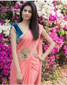 Indian Attire, Indian Wear, Beautiful Bollywood Actress, Beautiful Actresses, Sexy Blouse, Beautiful Saree, Saree Blouse Designs, India Beauty, Indian Girls
