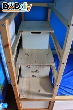 Materials: Ikea Kura, wood Description: My eldest son was sleeping in a Kura bed, my youngest son in a small bed that had become too small. Problem: the room was too small for two beds and was full of toys scattered on the floor. So I decided to transform the Kura bed in a bunk […