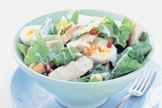 Thanks to some ready-packed salad ingredients, this chicken Caesar is ready in a flash. Low Carb Recipes, Healthy Recipes, Chicken Caesar Salad, Salad Ingredients, Main Meals, Fresh Rolls, Potato Salad, Vegetarian, Lunch