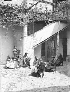Patio toledano (Toledo, 1920s) - http://toledoolvidado.blogspot.com.es/