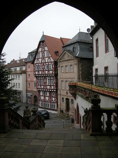 I've visited this city with my German friend. A lovely city. The Beautiful Country, Beautiful Places, Kitzingen Germany, German Architecture, Europe, Las Vegas Trip, Bavaria Germany, Germany Travel, Vacation Spots