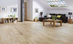 On aime le parquet chêne clair et l'ambiance générale de cette pièce.
