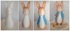 Fin b day Peter Rabbit Party, Peter Rabbit Cake, Peter Rabbit Birthday, Cake Topper Tutorial, Fondant Tutorial, Beatrix Potter Cake, Fondant Animals, Easter Cupcakes, Fondant Toppers