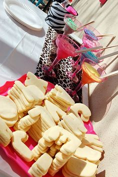 Awesome party idea. Wild alphabet/ animal bday party theme.