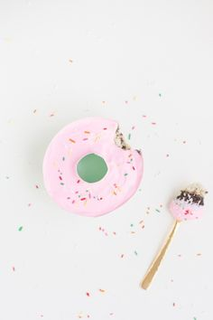 How cute are the donut ice cream cakes?!
