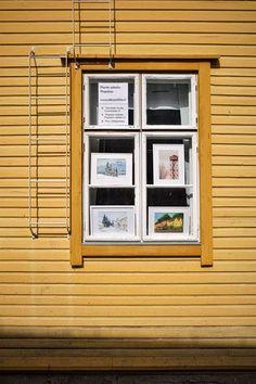Pienin askelin Pispalaa Piirun ikkunassa New Times, Garage Doors, Windows, In This Moment, Traditional, Building, Outdoor Decor, Home Decor, Decoration Home