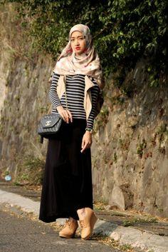 Foto : GALERI FOTO - Gaya Chic Marylies, Fashion Blogger Asal Bandung, Halaman 2