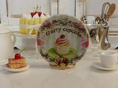 Cherry Cupcake  Plate for Dollhouse by Twelvetimesmoreteeny, €3.00