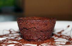 Receta de brownie de chocolate tradicional al estilo neoyorquino. Un dulce de chocolate y nueces que gusta a todos los paladares.