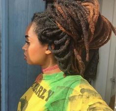 If you're thinking about freeforming your locs /dreadlocks, here is the ultimate guide about free form locs, semi free form locs, how tos, the perks & downsides Dreads Styles, Curly Hair Styles, Natural Hair Styles, Freeform Dreads, Free Form Locs, Beautiful Dreadlocks, Dragon Ball, Dreadlock Hairstyles, Quick Hairstyles