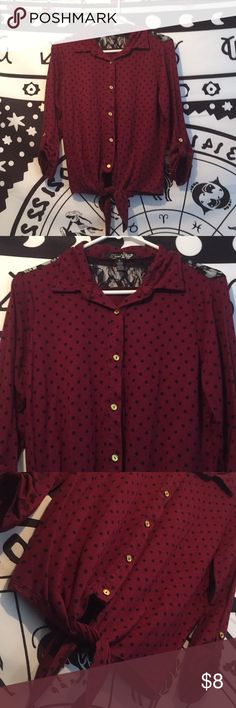 Maroon Mid-sleeve Top. Medium🌹 Super cute Medium polka dot mid-sleeve top! Only worn a couple of times!! Bought from a Boutique awhile back locally. 🌹🔥 Tops