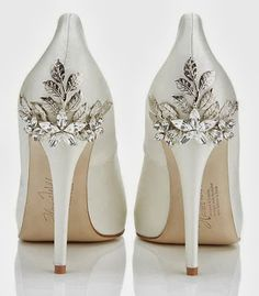 White wedding shoes with diamonds – Top wedding blog world