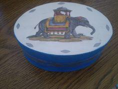 Oval jewellery box by KranzGeriShop on Etsy