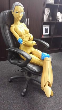 South African Company 3D Prints Full-Sized Fully Articulated 5 1/2 Foot Robotic Woman