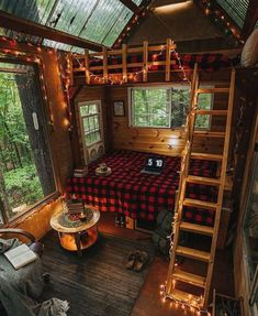 Cabin In The Woods, Cottage In The Woods, Decor Interior Design, Interior Decorating, Cabin Decorating, Decorating Ideas, Zelt Camping, Cabin Interiors, Cozy Cabin