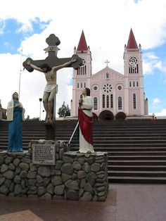 tourist spots of the philippines - Bing Images Old Churches, Catholic Churches, Visit Philippines, Baguio City, Church Pictures, Church Building, Famous Landmarks, Tourist Spots, Place Of Worship