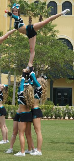 does any one know what team this is?i meanit looks like it could be cheer  athletics but yeah idk