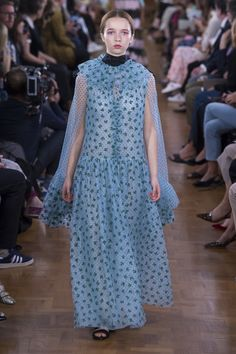4a642229b82d Erdem Spring 2019 Ready-to-Wear Fashion Show Collection  See the complete  Erdem Spring 2019 Ready-to-Wear collection.