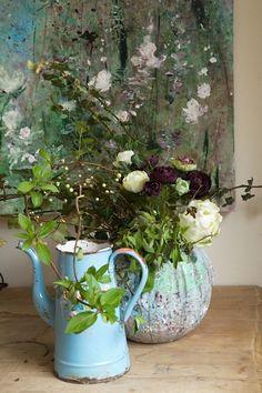 Vicky& Home: La primavera de Laurence- Amelie / Spring of . Beautiful Flower Arrangements, Floral Arrangements, Beautiful Mess, Beautiful Flowers, Laurence Amelie, Vintage Enamelware, Bunch Of Flowers, Real Flowers, Arte Floral
