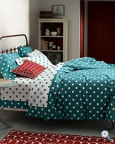 Turquoise and red, an awesome combo for the bedroom. - I am a sucker for polka dots Bedroom Red, Trendy Bedroom, Dream Bedroom, Girls Bedroom, Bedroom Decor, Bedroom Linens, Bedrooms, My New Room, My Room