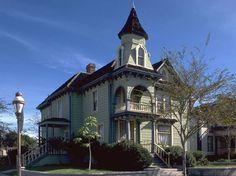 1889 Folk Victorian, National City, CA Art Nouveau Architecture, Victorian Architecture, Beautiful Architecture, Folk Victorian, Victorian Homes, Abandoned Houses, Old Houses, Modern Log Cabins, California Homes