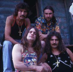 #BlackSabbath Ozzy Osbourne Black Sabbath, Che Guevara, Couple Photos, Couples, Guitars, Style, Couple Shots, Swag
