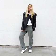 Today's full look ✌️#casual#leather#trainers#ootd#lotd#outfitoftheday#outfit#look#style#asos#stylist#blond#girl#scandi#scandinavian#fblogger#white#minimal#minimalism#minimalist