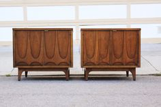 I want these Broyhill Brasilia nightstands and their matching headboard.  Mid-century queen headboard/bed = hard to find.