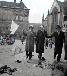 Ghosts of war - Amsterdam; Dam Square shooting 1945 Amsterdam, then & now by juffrouwjo, via Flickr