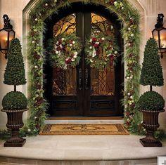Front door lovely Christmas decor