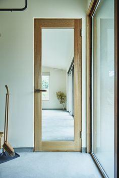 Internal Doors Modern, Door Design Interior, Home Studio, Kid Spaces, Windows And Doors, Glass Door, Entrance, Minimalism, House Design