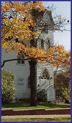 The Old Church on the Green in Hudson, Ohio is a small chapel where you can have a picture-perfect wedding.